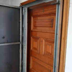 woo1 300x300 - Puertas Antiokupa con Cerradura Inteligente y Servicio de Instalación